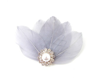 Grey Silver Ivory White Feather Fascinator Hair Clip 1920s Vintage Art Deco 110