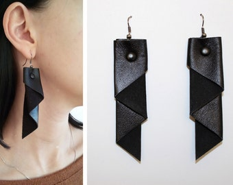Geometric Jewelry Urban Black leather earrings Minimal leather earrings Dangle earrings in the style of rock hip goht Modern leather earring