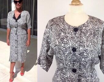 Vintage 80s Graphic Print Dress, Batwing Dress, 80s Dress, Retro Dress, Black Dress, 80s Print, White Dress, Size 12