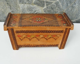 Vintage jewelry wooden box, retro box, handmade and hand painted box, pyrography box, oriental, ethnic