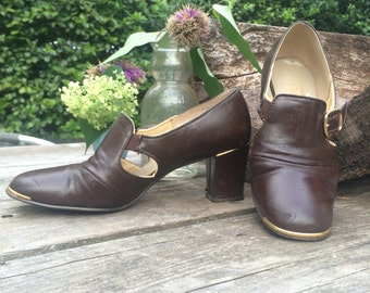 Vintage 60s-70s Howard Paige Esq High Heeled Pumps / Man Made Materials / T-Strap Mary Janes / Women's Size 7