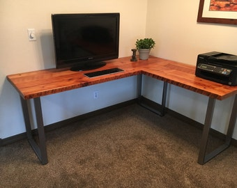 L-shaped Desk. Reclaimed wood desk. Old wood desk. Industrial desk. Industrial office table. Wood and metal desk. Corner desk.