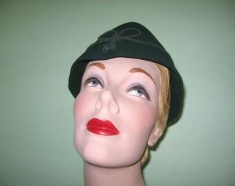 SALE! 1950's Forest Green Felt Bavarian Style Hat, Perfect for Oktoberfest!