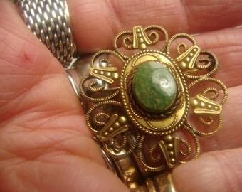 Kremitz Antique 12kt GF Jade Pin 5 grms, hallmarked, 29X30mm, nice. 488