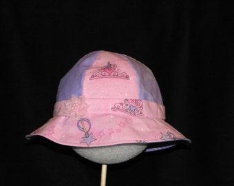 Baby Girl Princess Crown and Wand Print Sun-bonnet
