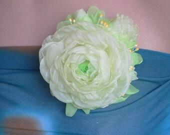 Brooch,pale green.