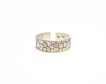 "Ethnic silver Massif ""Flores"" ring"