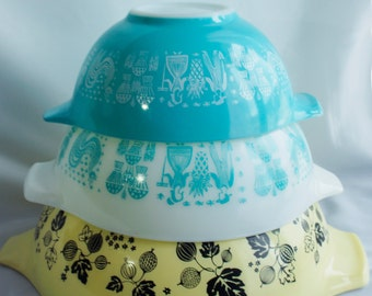 Nested Pyrex Cinderella Mixing Bowls, 444,443, 442 Gooseberry and Amish Butterprint