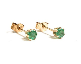 Solid 9ct Gold Small Emerald Stud earrings S1068