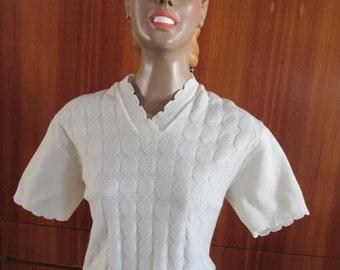 vintage 50s 60s jumper off-white size 22 24 plus xxl cute neckline