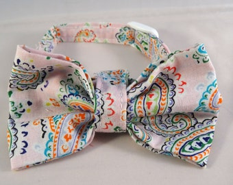Cat Bow // Pale pink paisley