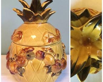 Vintage 1965 Pineapple Cookie Jar, Retro Los Angeles Potteries Pineapple Cookie Jar, Yellow and Brown Cookie Jar With Fruit.