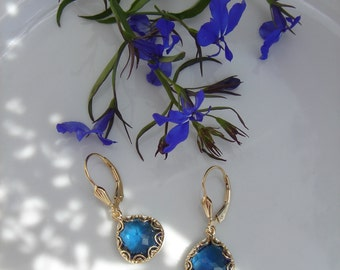 Gold Earrings, 585 gold filled beautifully with Crystal drops in blue