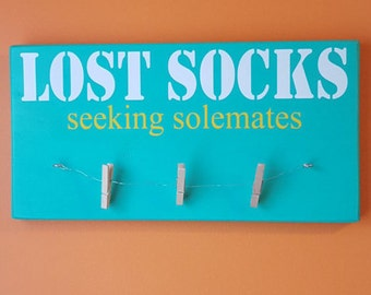 Lost Socks Seeking Solemates Laundry Sign