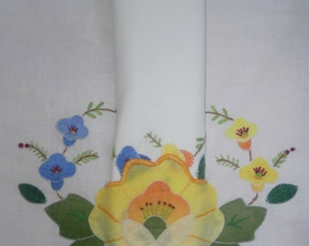 Vintage Set of 4 Cotton Placemats and Napkins with Applique & Embroidered Flowers