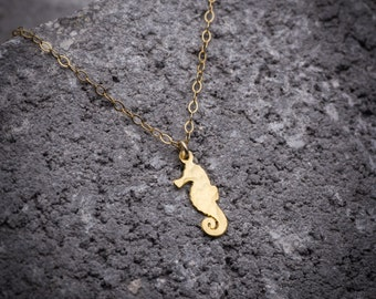 Beach jewelry, seahorse necklace, ocean necklace, gold necklace, tiny necklace, simple necklace, gift for her.