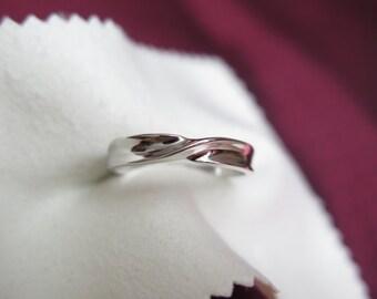 infinite ring in sterling silver, gift handmade ring