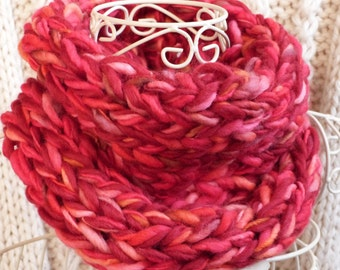Chunky knit red snood, chunky red scarf. Chunky wool. Chunky scarf. Knitted scarf.