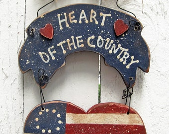 4th of July Door Hanger Patriotic Americana Wood Heart Holiday Yard Art 4th of July Decor primitive Red White Blue wood Country decorations