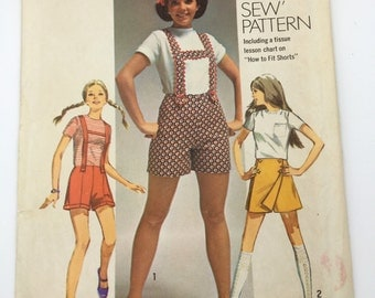 Shorts and Scooter Skirt Pattern, Vintage, Simplicity 8666 Pattern Young Junior/Teen and Misses' Short Size 7/8, Suspenders