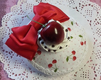 "Fascinator ""Black Forest Cherry"""