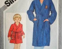 Vintage 1980s Boy Front Wrap Shawl Collar Pocket Tie Belt Short or Regular Length Bath Robe Size 7 8 Sewing Pattern Simplicity 5331