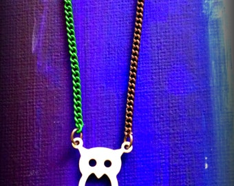 CheekyWhite  Owl Necklace, duo colour chain green/gunmetal