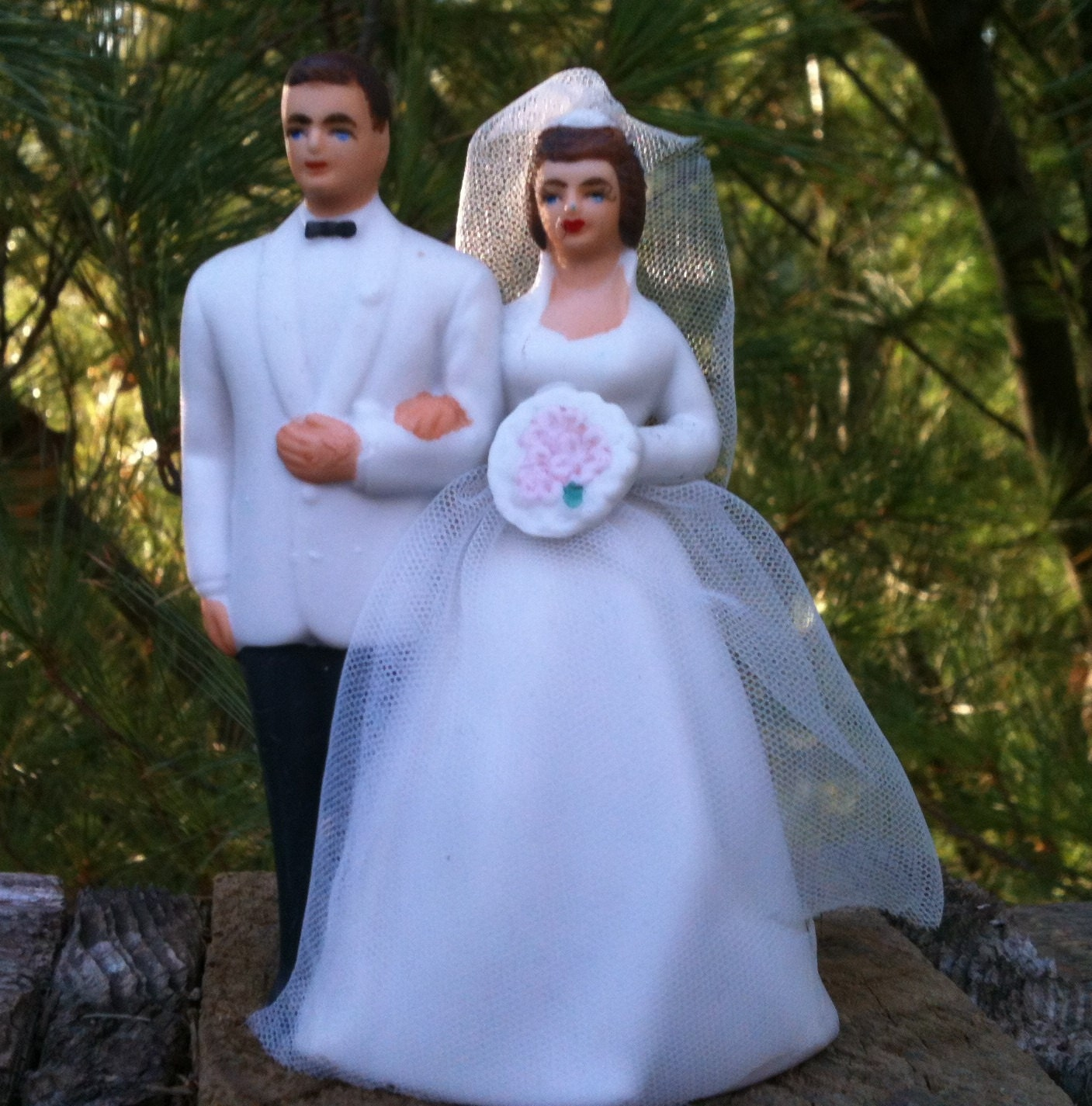 Wilton Bride And Groom Vintage Wedding Cake Topper Porcelain-9171