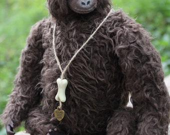 King Kong Gorilla stuffed artist teddy monkey dark brown jungle