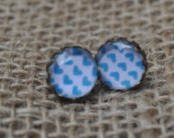 Tiny teal hearts, 10mm cage stud