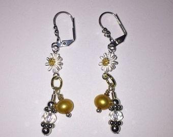 Gold silver daisy flower pearl crystal drop earrings