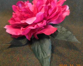 matrimonio,fiore rosso,pettinino chic,pettinino sposa,pettinino eventi,acconciatura elegante,fiore,