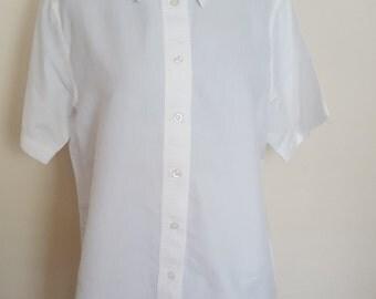 Vintage White Crisp Button Up Shirt Short Sleeves