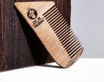Comb beard in beech - for bearded men wishing to tame their hair
