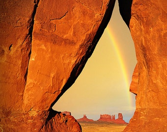 Tear Drop Arch - Monument Valley, Utah