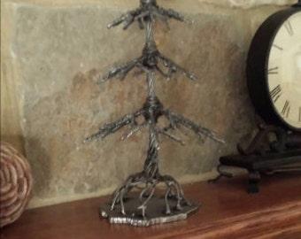 Welded wire tree