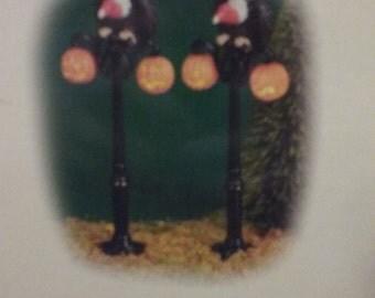Department 56 Gothic Street Lamp