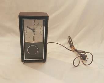 1960s Mid Century Modern Electric Sunbeam Clock