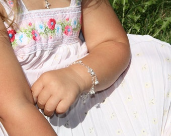 Children Pearls Bracelet. Sterling Silver bracelet. Girl Bracelet. Children jewelry. Baptism. First Communion. Mommy and me. Babyshower.