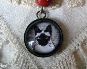 Siamese cat pendant necklace