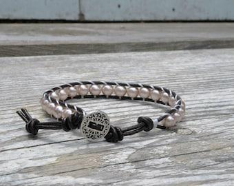 Brown leather cord w/ smokey pink pearl