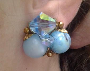 FREE SHIPPING  Beautiful Vintage Blue Clip on Earrings