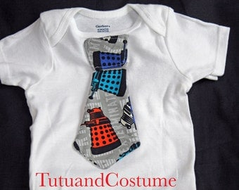 Dr. Who Onesie with Tie, Onesie with Tie, Dr. Who Dalek Baby Boy Onesie, Dr. Who Tie, Newborn Onesie with Tie, White Onesie with Tie
