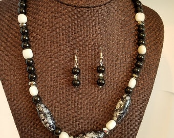 Black and White Necklace With Earrings