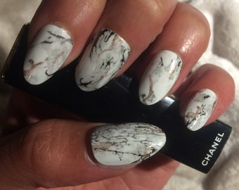 Stone Marble Nails Gel Topcoat - White with Black and Gold Accents | Dreams Of Glory