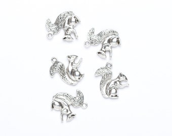 Squirrel Charms - 5 Silver Plated Squirrel Charms - Woodland Charms -  UK Charm Supply