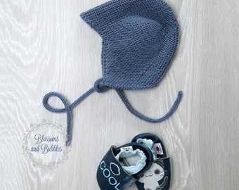 SALE! Knitted hat. Knitted bonnet. Newborn. Newborn gift. Photo prop. Blue knitted baby hat.