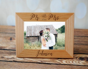 Mr and Mrs Picture Frame, Custom Engraved Photo Frame, Personalized Picture Frame, Wedding Gift Mother of The Groom, Flower Girl