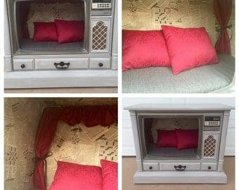 Vintage  Television Dog Bed
