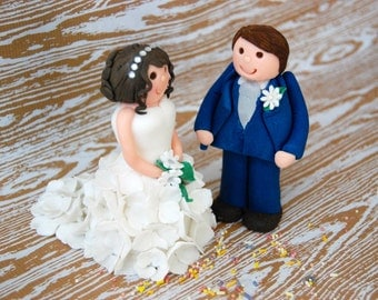 Fondant Bride and Groom Wedding Cake Topper
